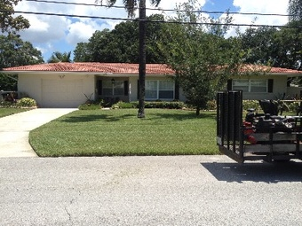 Lawn Mowing Contractor in Belleair, FL, 33756