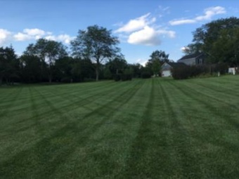 Lawn Mowing Contractor in Zion, IL, 60099