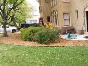 Lawn Mowing Contractor in Hurst, TX, 76053