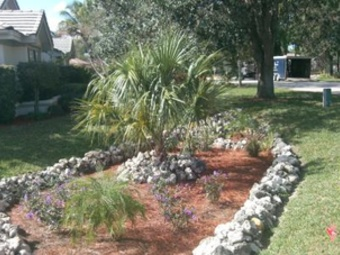 Lawn Mowing Contractor in Naples, FL, 34104