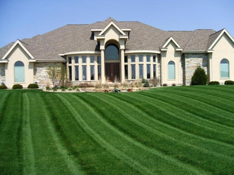 Lawn Mowing Contractor in Estero, FL, 33928