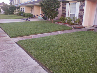Lawn Mowing Contractor in Harvey, LA, 70058