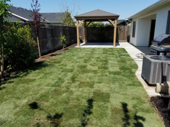 Lawn Mowing Contractor in Clovis, CA, 93612