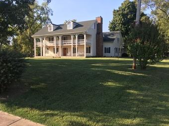 Lawn Mowing Contractor in Murfreesboro , TN, 37128