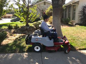 Lawn Mowing Contractor in Modesto, CA, 95355