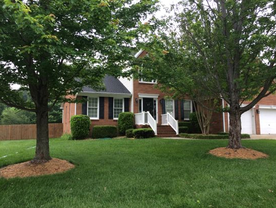 Lawn Mowing Contractor in Raliegh, NC, 27615