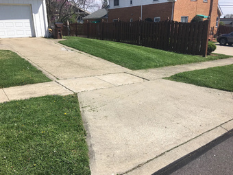Lawn Mowing Contractor in Cincinnati, OH, 45237