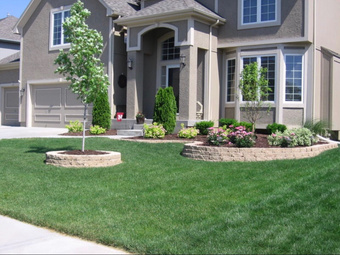 Lawn Mowing Contractor in Lodi, CA, 95240