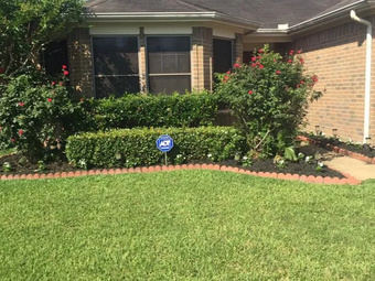 Lawn Mowing Contractor in Houston, TX, 77085
