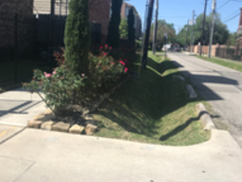 Lawn Mowing Contractor in Houston, TX, 77086