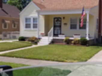 Lawn Mowing Contractor in Louisville, KY, 40212