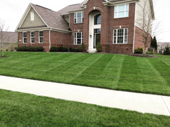 Lawn Mowing Contractor in Bargersville, IN, 46106