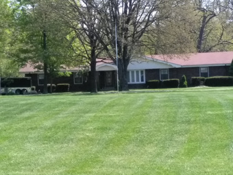 Lawn Mowing Contractor in St Louis, MO, 63139