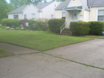 Lawn Mowing Contractor in Cleveland, OH, 44119