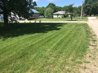 Lawn Mowing Contractor in Liberty, MO, 64068