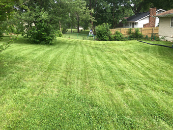 Lawn Mowing Contractor in Kansas City, MO, 64110