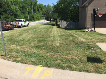 Lawn Mowing Contractor in Kansas City, MO, 64118