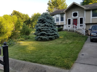 Lawn Mowing Contractor in Gladstone, MO, 64118
