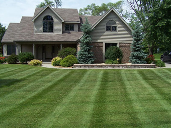 Lawn Mowing Contractor in Lithia Springs, GA, 30135
