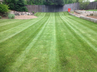 Lawn Mowing Contractor in Mc Henry, IL, 60050