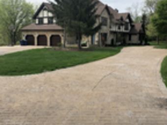 Lawn Mowing Contractor in Chicago , IL, 60629