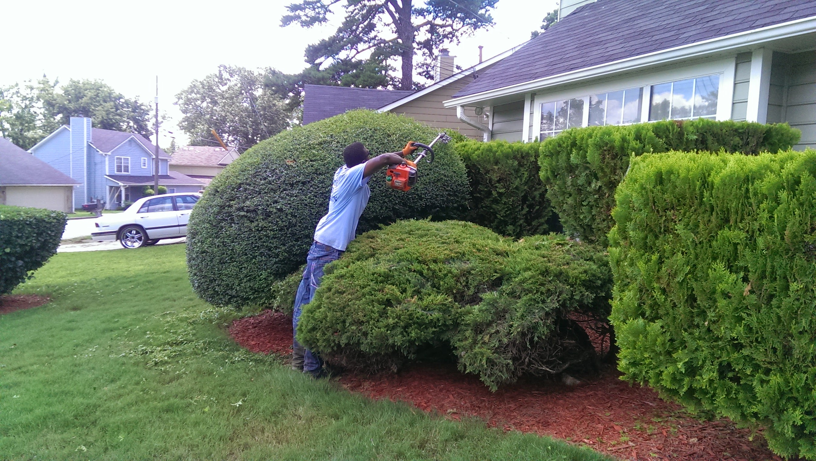 Lawn Mowing Contractor in Stone Mountain, GA, 30086