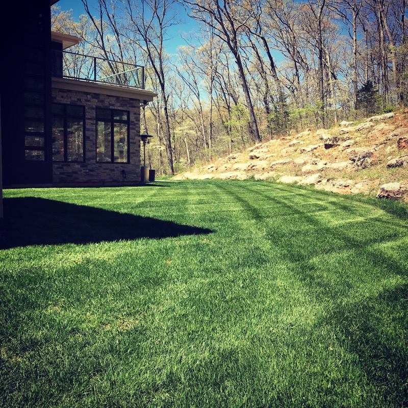 Lawn Mowing Contractor in Eureka, MO, 63025