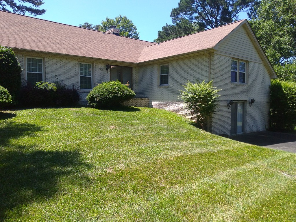 Lawn Mowing Contractor in Lancaster, SC, 29720