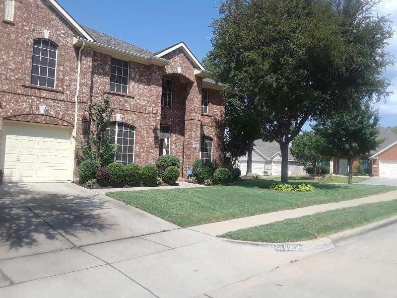 Lawn Mowing Contractor in Mansfield, TX, 76063