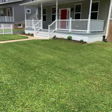 Lawn Mowing Contractor in Riviera Beach, MD, 21122