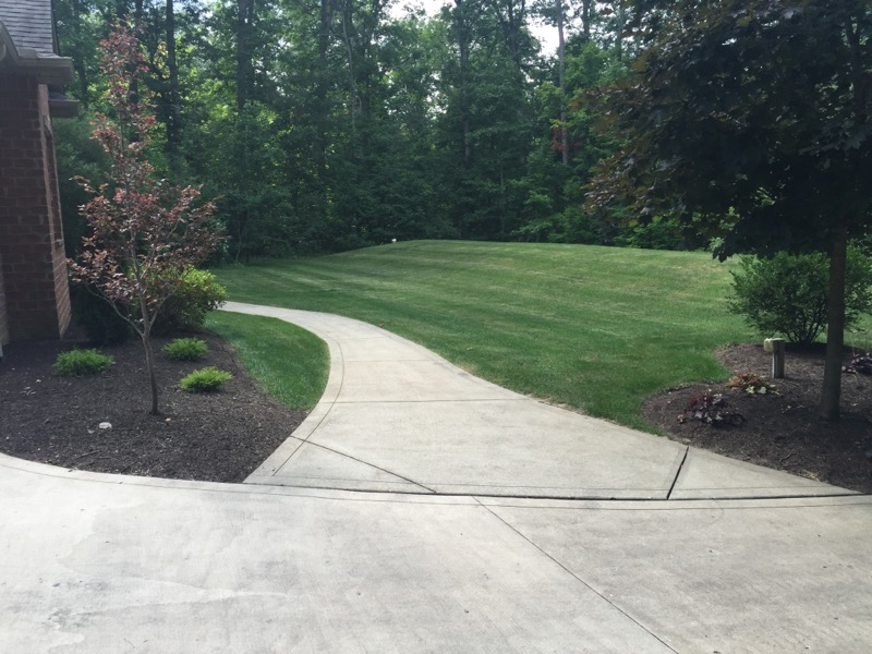 Lawn Mowing Contractor in Fort Wayne, IN, 46804