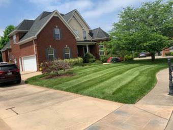 Lawn Mowing Contractor in Murfreesboro, TN, 37130
