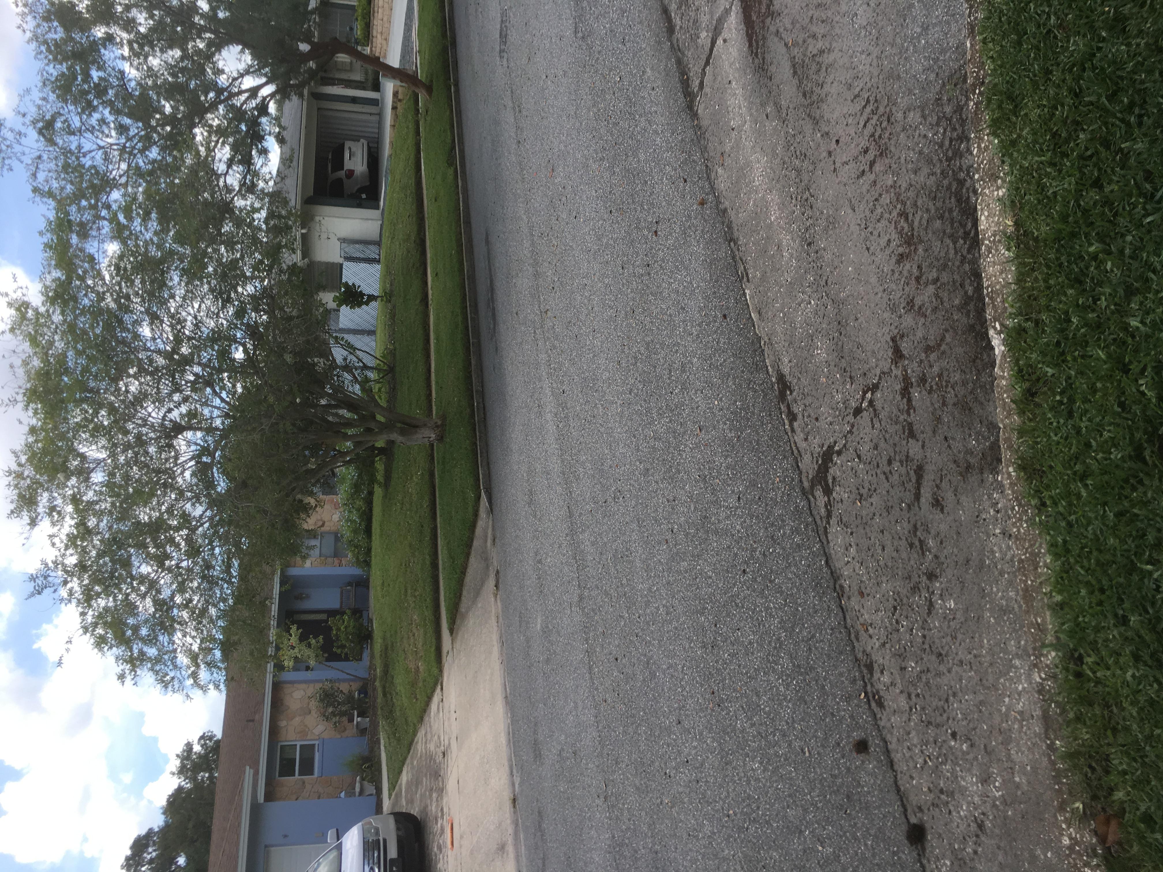 Lawn Mowing Contractor in Orlando, FL, 32811