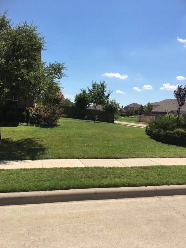 Lawn Mowing Contractor in Justin, TX, 76247