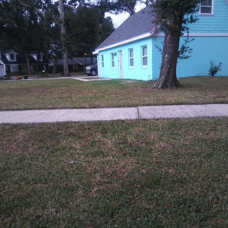 Lawn Mowing Contractor in Jacksonville, FL, 32211