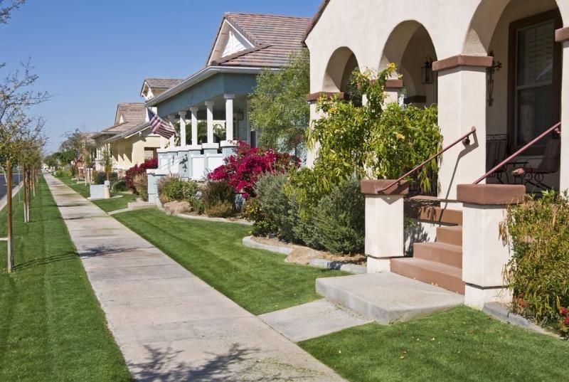Lawn Mowing Contractor in Phoenix, AZ, 85042