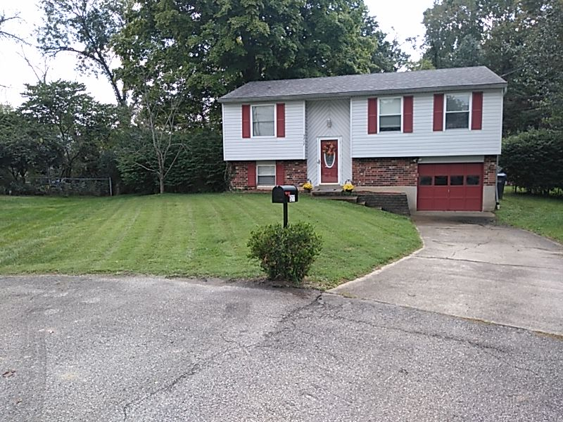 Lawn Mowing Contractor in Louisville, KY, 40208