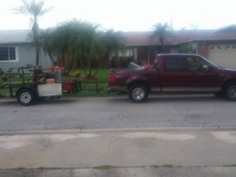 Lawn Mowing Contractor in Kenneth City, FL, 33713