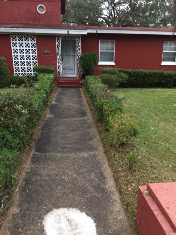 Lawn Mowing Contractor in Tallahassee, FL, 32311