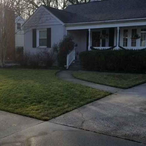Lawn Mowing Contractor in Glen Burnie, MD, 21060