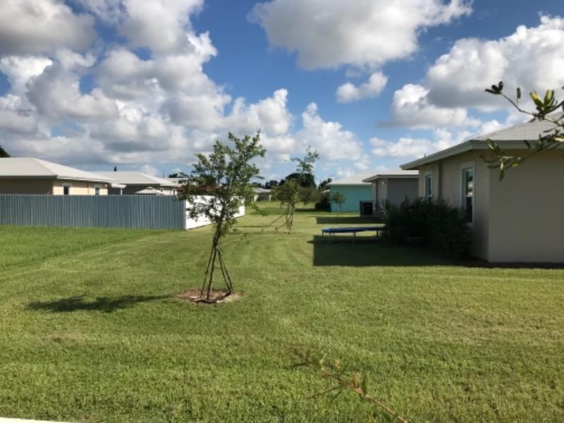 Lawn Mowing Contractor in Miami, FL, 33157