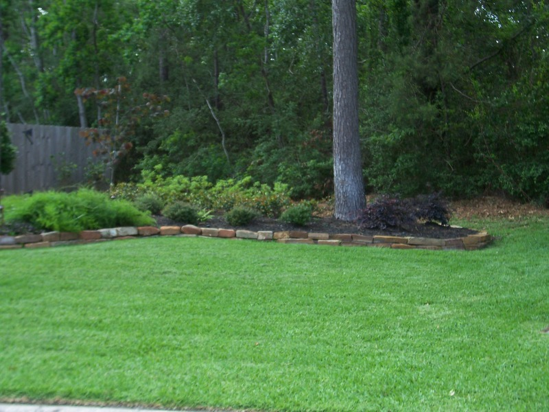 Lawn Mowing Contractor in Humble, TX, 77346