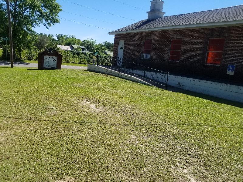 Lawn Mowing Contractor in Pensacola, FL, 32503
