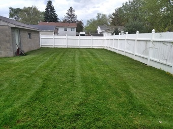Lawn Mowing Contractor in Etna, OH, 43062