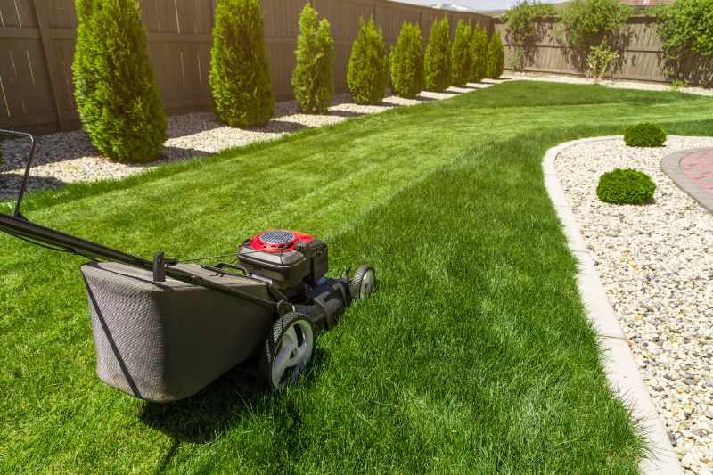 Lawn Mowing Contractor in Severna Park, MD, 21146