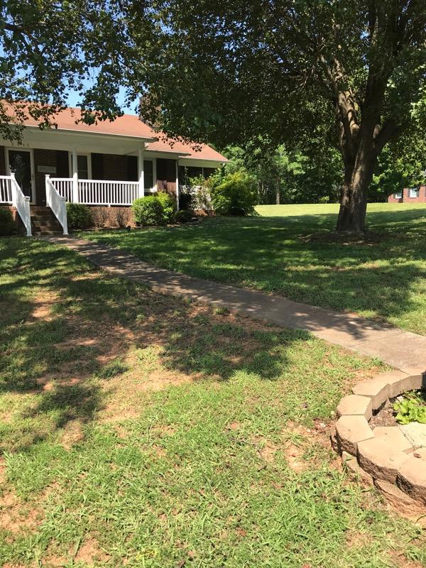 Lawn Mowing Contractor in Dallas, NC, 28658