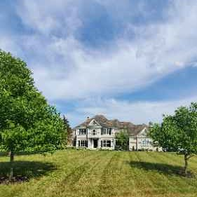 Lawn Mowing Contractor in Lake In The Hills, IL, 60156