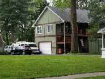Lawn Mowing Contractor in Overland, MO, 63114