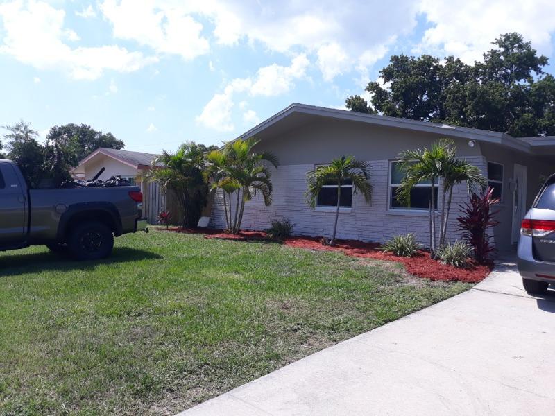 Lawn Mowing Contractor in St. Petersburg, FL, 33714
