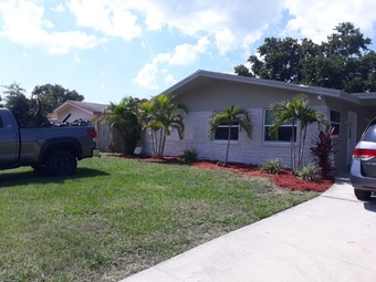 Lawn Mowing Contractor in St. Petersburg, FL, 33714